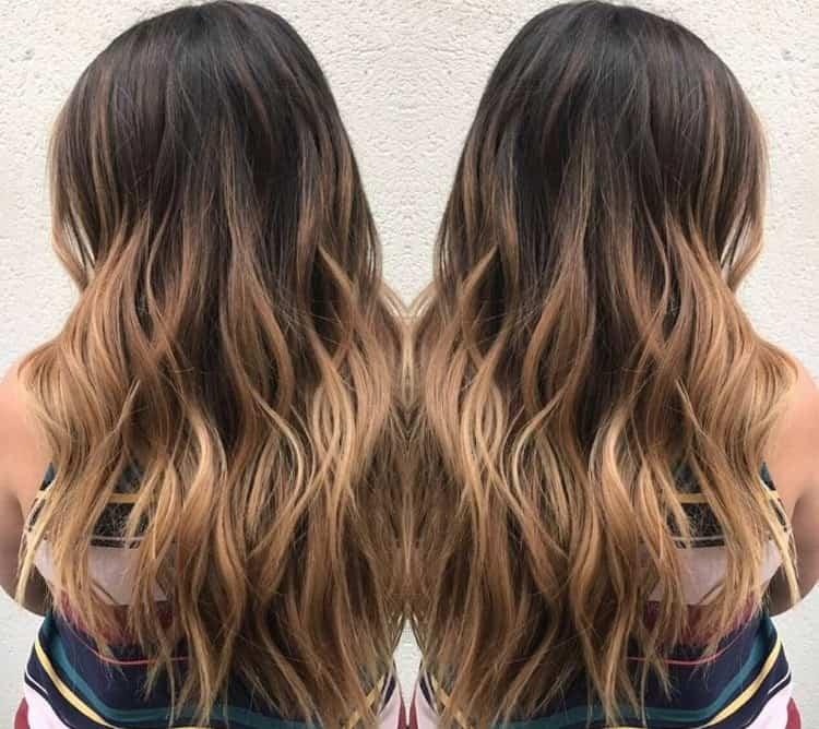 Посмотрите фото окрашивания волос балаяж на прямых волосах.