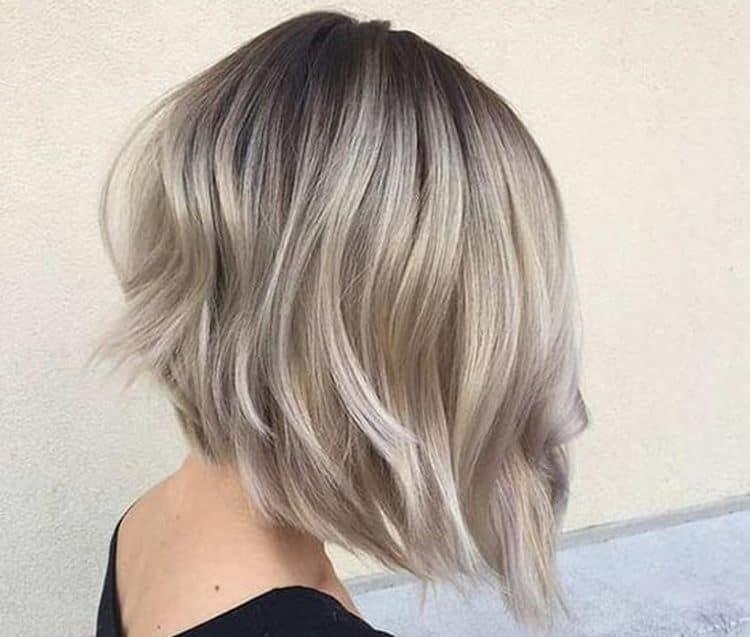 В моде также пепельное омбре на русые волосы.
