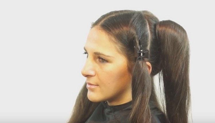 Посмотрите видео о том, как сделать омбре на темные длинные волосы.