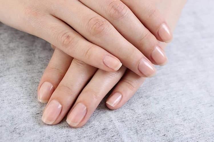 овально-квадратная форма ногтей тоже пользуется большой популярностью.