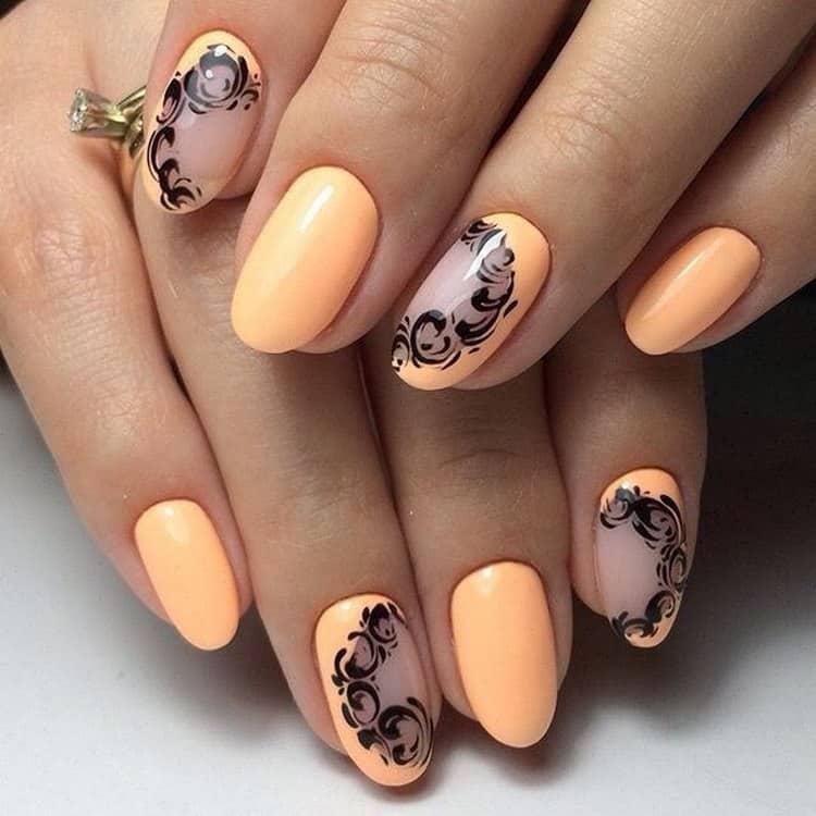 Овальная форма коротких ногтей тоже позволяет экспериментировать с дизайном.