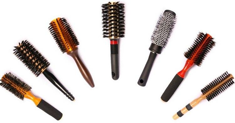 Не забудьте правильно подобрать расческу для своих волос.