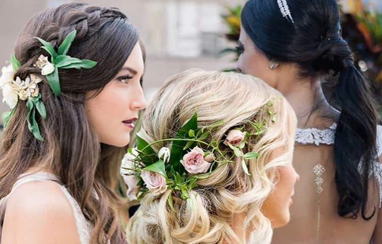 Прическа на выпускной в 9 класс на длинные волосы должна быть более женственной и изящной.
