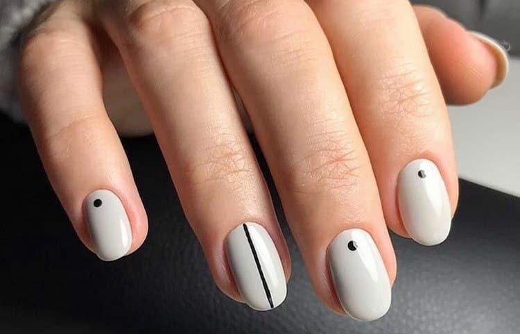 А вот еще фото летнего простого дизайна ногтей.