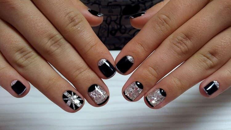 Стильные рисунки глиттером на ногтях.
