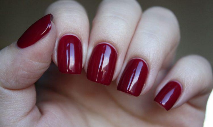 Рисунки гель-лаком на ногтях для начинающих можно сделать самыми простыми.