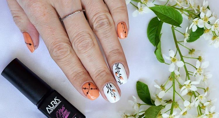 Посмотрите также видео-уроки по созданию рисунков гель-лаком на ногти гелем.