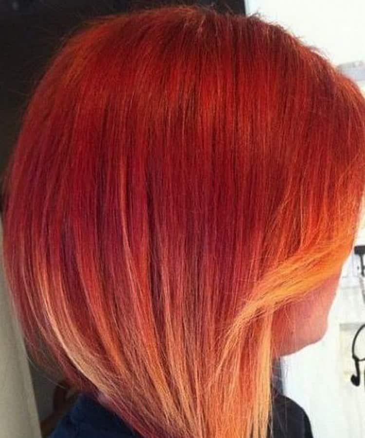 Красиво выглядит омбре на рыжие волосы каре.