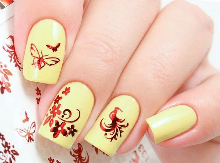 Посмотрите также видео-уроки об использовании слайдер-дизайна для ногтей.