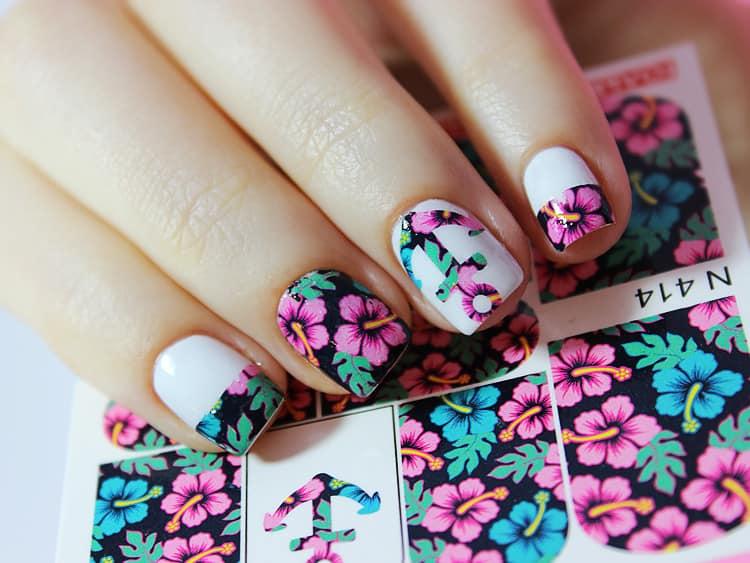 Посмотрите, как красиво можно сделать слайдер дизайн для ногтей.