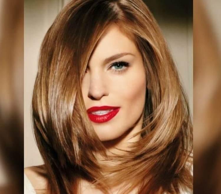 Посмотрите фото стрижки градуированный каскад на средние волосы.