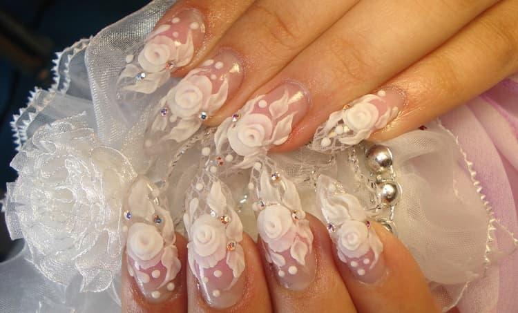 А вот фото свадебного дизайна ногтей с наращиванием.