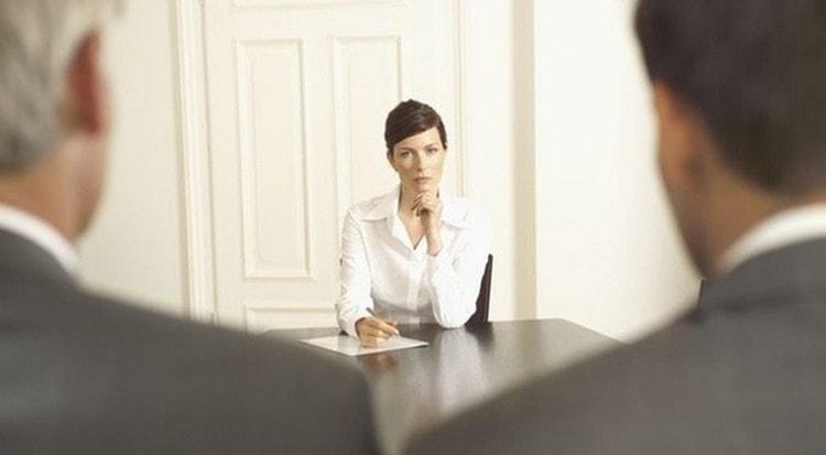 женщина скорпион будет командовать мужчиной Весами на работе.