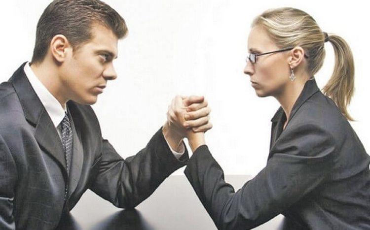 Скорпиону и Весам лучше не занимать одинаковых по иерархии должностей на работе.