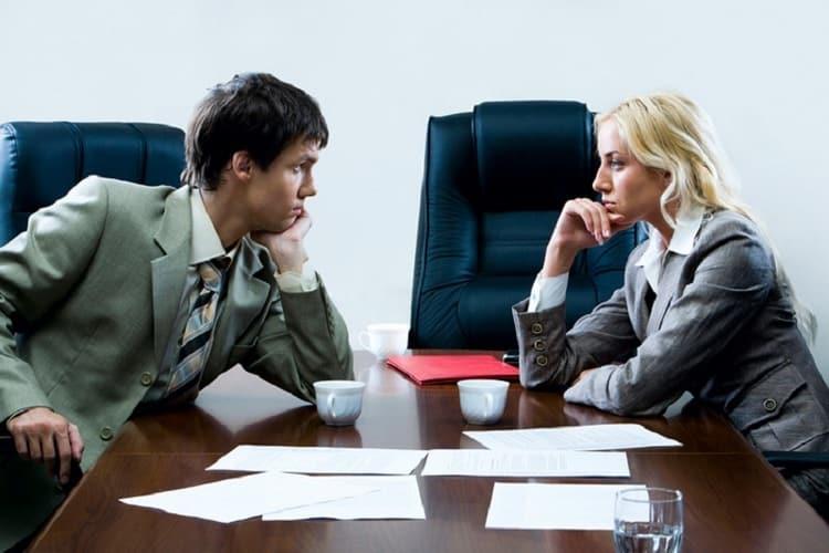 Совместимсть знаков зодиака женщина-Рыбы и мужчина-Водолей на работе скорее всего не будет самой результативной.