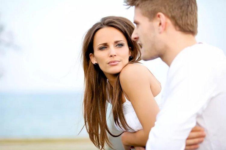 Мужчина-Водолей и женщина-Рыба показывают не самую высокую совместимость в любви.