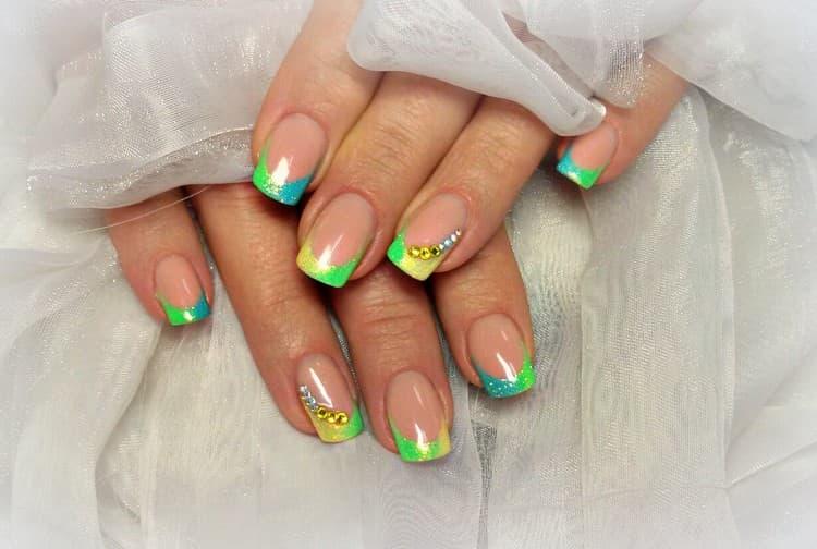 А вот фото дизайна ногтей яркий френч.