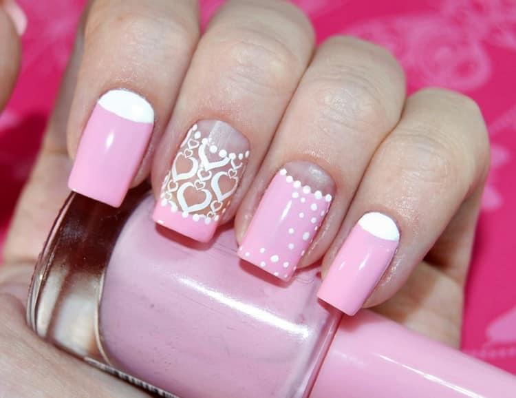 Розовый тоже порадует любительниц яркой палитры на ногтях.