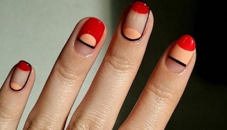 Популярностью пользуется и пустое пространство на ногте.