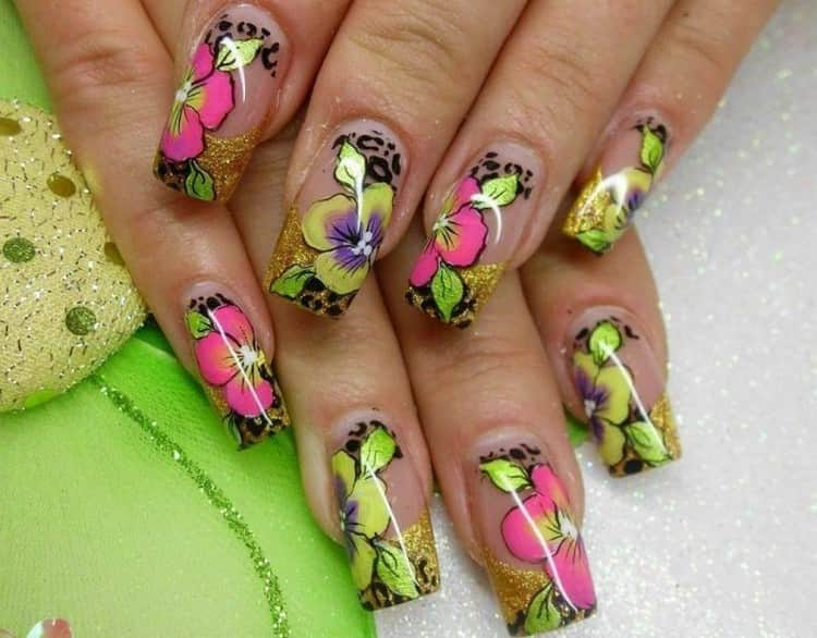 такой дизайн на длинных ногтях выглядит очень красиво.