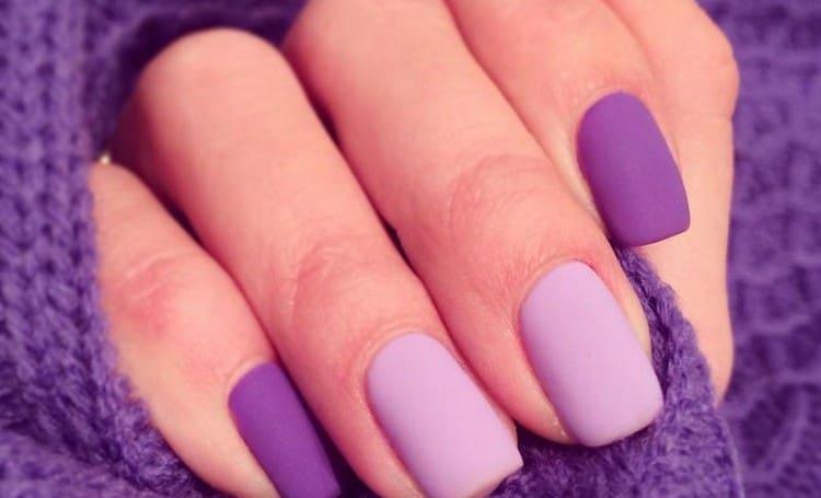 Яркие фиолетовые ноготки.