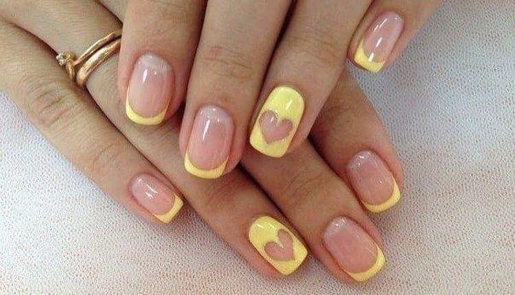 очень мило выглядит дизайн ногтей желтый френч.