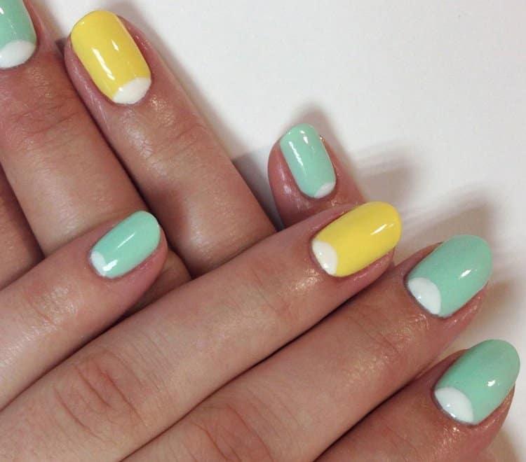 Дизайн ногтей желтый и мятный придется по вкусу утонченным натурам.