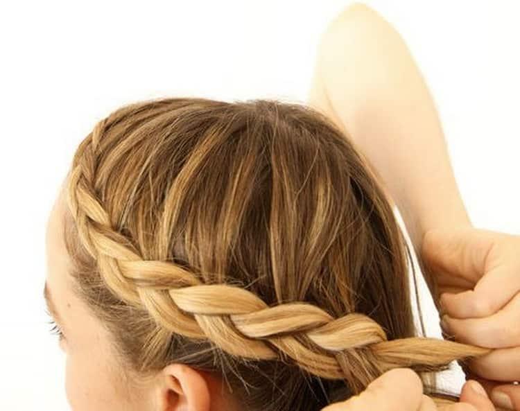 Как делается прическа на короткие волосы быстро и красиво