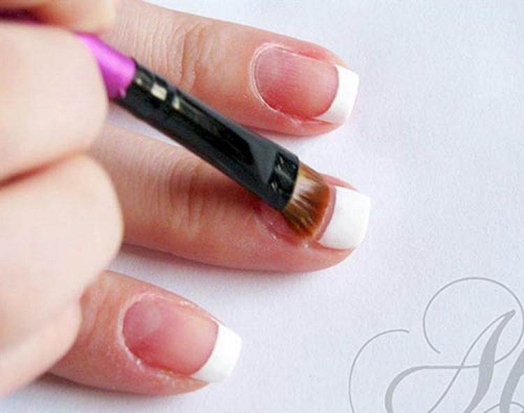 Как сделать красный френч на круглых ногтях