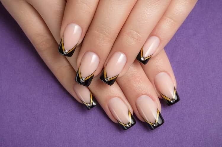 Все о том как сделать миндальную форму ногтей