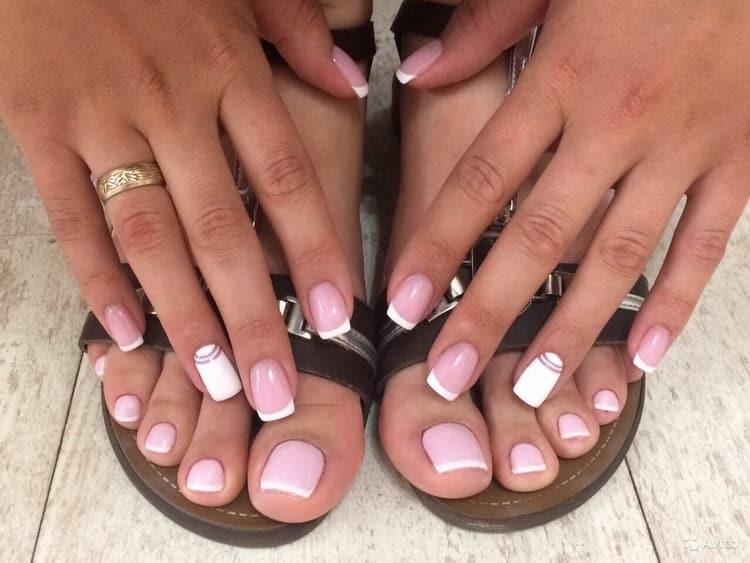 Нарощенные ногти квадратной формы