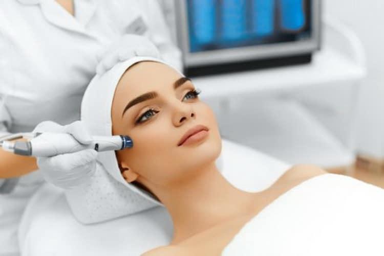 Как делается лазерная чистка лица, отзывы с фото