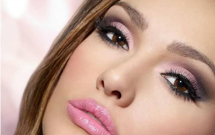 Как сделать вечерний макияж под карие глаза и темные волосы