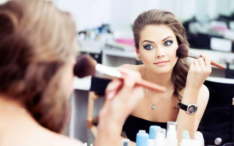 Как сделать макияж для светло-зеленых глаз и светлых волос