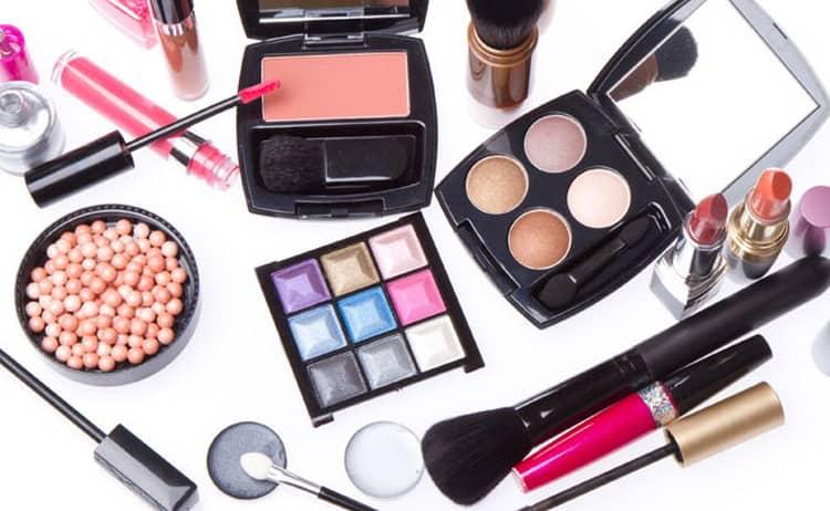 Как сделать макияж для светло-карих глаз и светлых волос