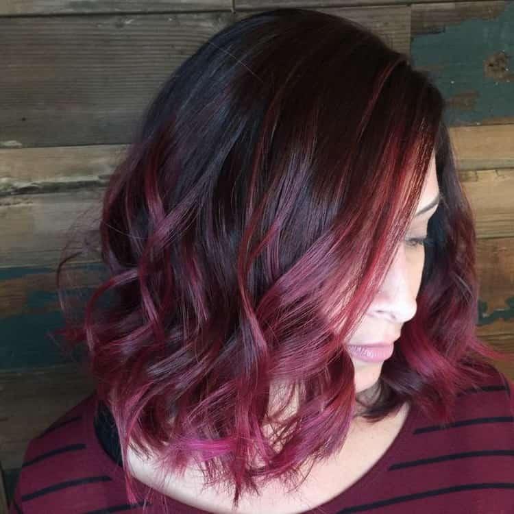 Рыжее омбре на темные волосы средней длины