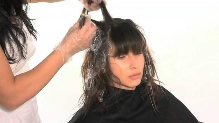 Шатуш на темные волосы: техника окрашивания