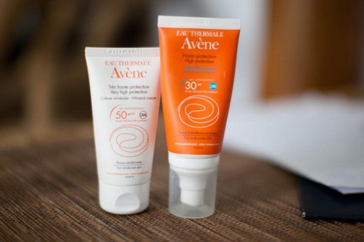 Как выбрать солнцезащитный крем для жирной кожи лица