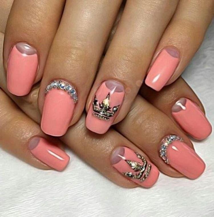 Модный цветной френч на ногтях с видео и фото