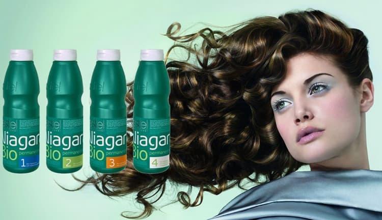 Препараты для биозавивки обычно более щадящие и не повреждают волосы так, как при использовании химических средств для процедуры.