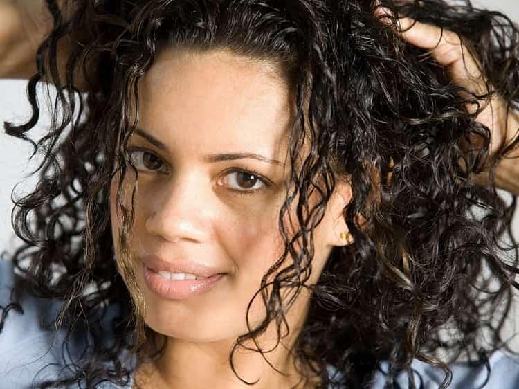 Посмотрите также фото мокрой химии на короткие волосы.