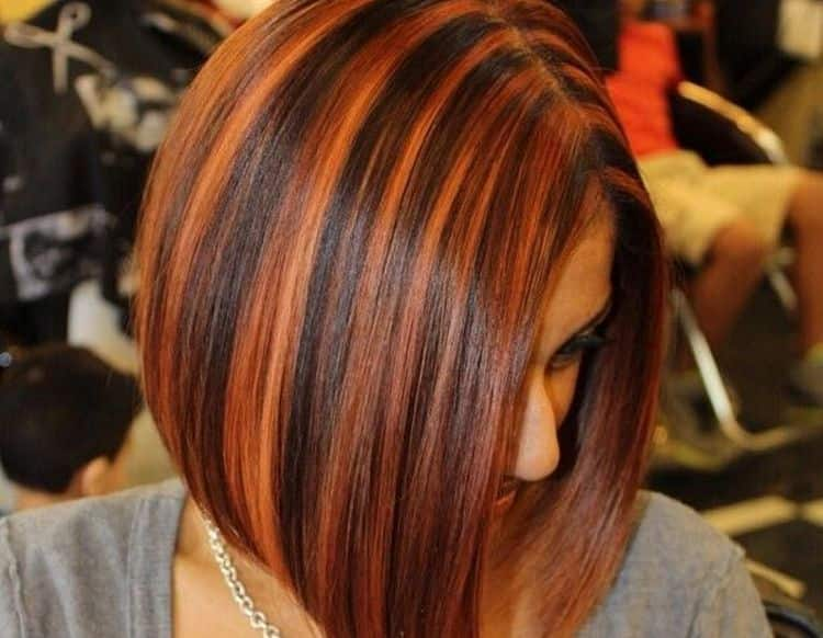 Посмотрите видео о том, как красиво покрасить волосы в два цвета.
