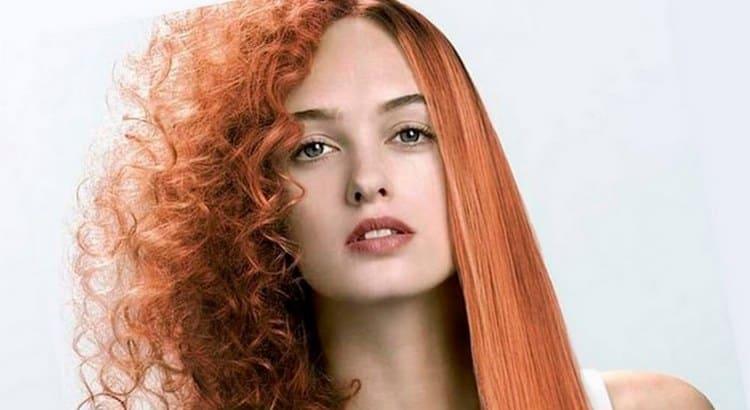 Узнайте, как выпрямить сухие волосы без утюжка.