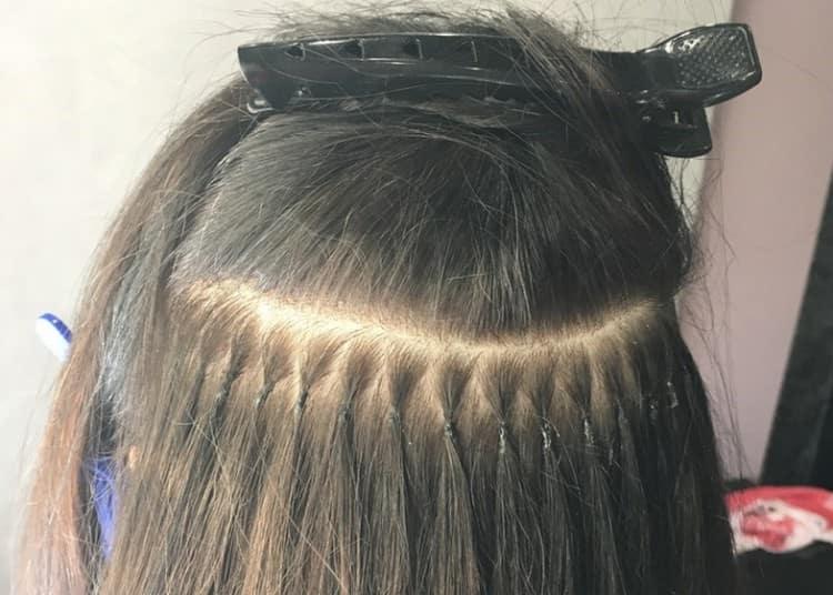 Популярным является и горячее капсульное наращивание волос.