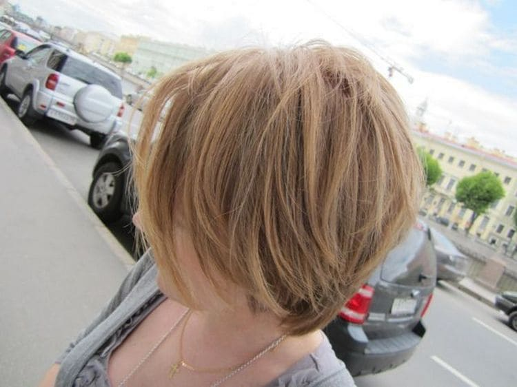 Эта краска подойдет для тех, кто хочет освежить цвет волос, например, после морского отдыха.