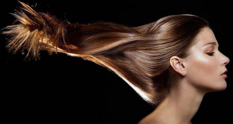 Поговорим о том, какие витамины пить для укрепления волос.
