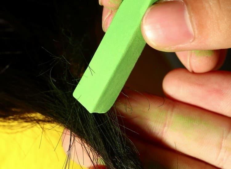 Применение мелков для волос позволяет создать яркий и даже экстравагантный образ на один-два дня.