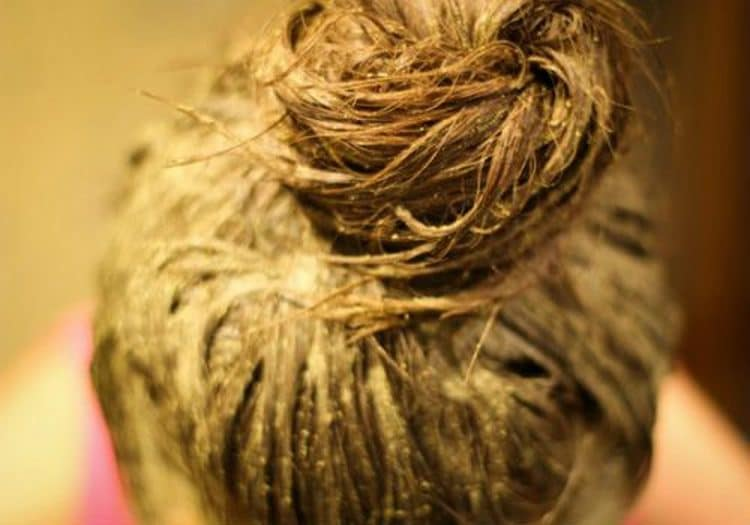 очень важно не передержать хну на волосах, чтобы не пересушить и кожу головы, и сами локоны.
