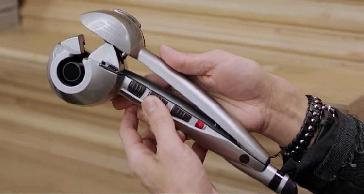 А вот автоматическая машинка для локонов от BaByliss.