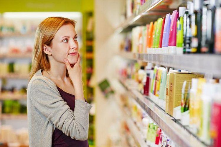 В идеале надо сразу покупать шампунь и бальзам для окрашенных волос от от одного производителя.